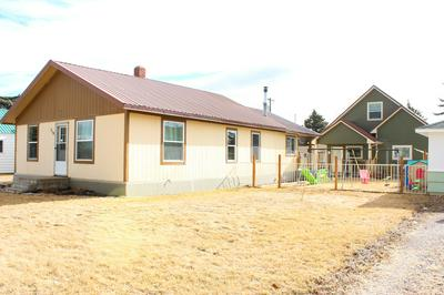 518 4TH AVE N, Fairfield, MT 59436 - Photo 2