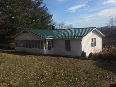 524 COMBS AVE, Cotter, AR 72626 - Photo 1