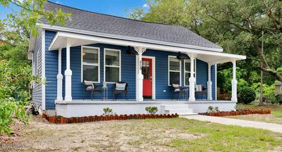 809 CLARENDON AVE, Southport, NC 28461 - Photo 2