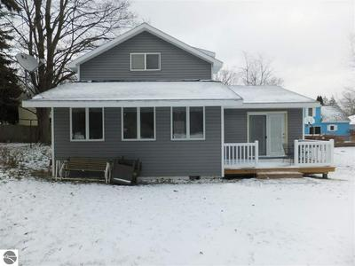 569 BELLOWS AVE, Frankfort, MI 49635 - Photo 2