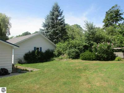 578 BALSAM AVE, Frankfort, MI 49635 - Photo 2
