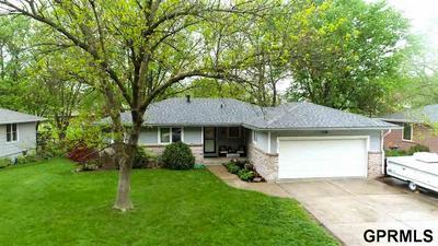 635 WALNUT ST, Hickman, NE 68372 - Photo 2