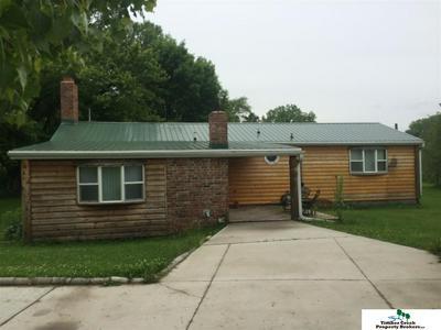 406 W NORTH ST, Hooper, NE 68031 - Photo 1