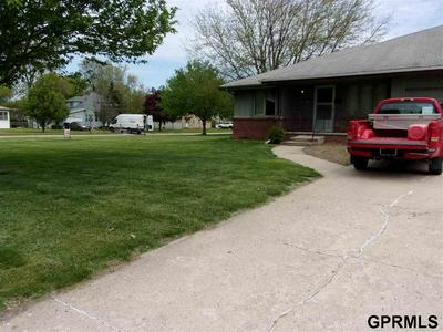 103 S 11TH ST, Tekamah, NE 68061 - Photo 2