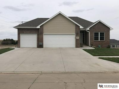 2286 N LOCUST ST, Wahoo, NE 68066 - Photo 1