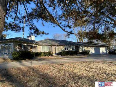 915 MAIN ST, Stromsburg, NE 68666 - Photo 2