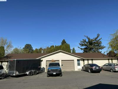 1004 - 1006 PRINCEVILLE ST, Grandview, WA 98930 - Photo 1