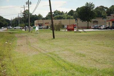 615 LAFAYETTE ST, Youngsville, LA 70592 - Photo 1
