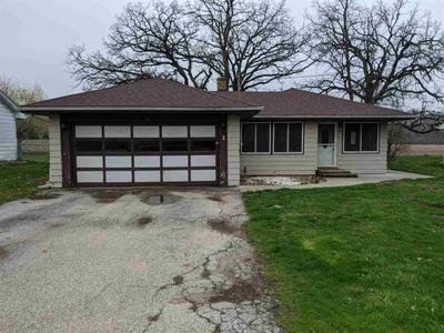310 E GROVE ST, CAPRON, IL 61012 - Photo 2