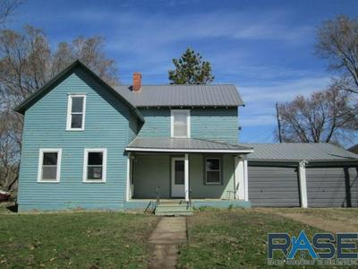 207 W 2ND ST, Alcester, SD 57001 - Photo 1
