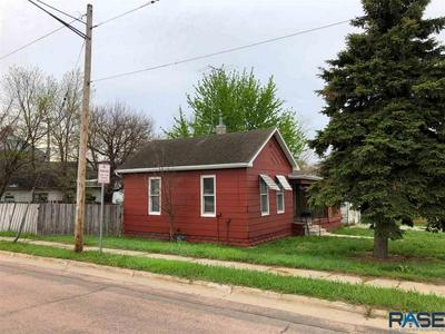 204 S BROADWAY ST, Canton, SD 57013 - Photo 2