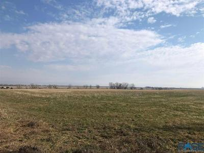 405TH AVE, Mitchell, SD 57301 - Photo 2