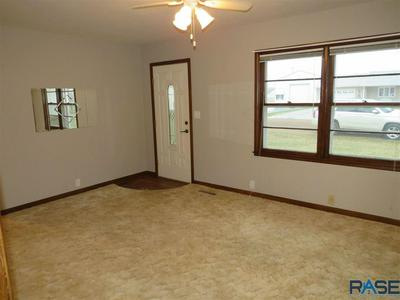 25805 SILVER CREEK RD, Renner, SD 57055 - Photo 2