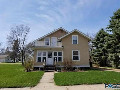 415 N BLANCHE AVE, Madison, SD 57042 - Photo 1