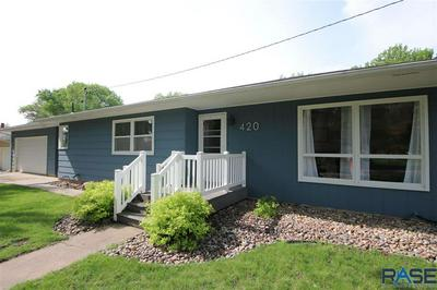 420 E WALNUT ST, Canton, SD 57013 - Photo 1