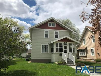 419 N LEE AVE, Madison, SD 57042 - Photo 1