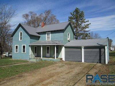 207 W 2ND ST, Alcester, SD 57001 - Photo 2
