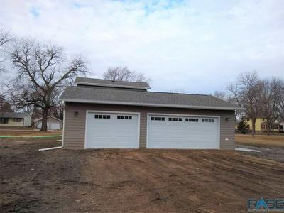 300 S 1ST ST, Beresford, SD 57004 - Photo 2