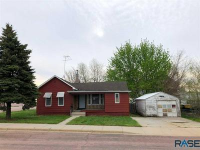 204 S BROADWAY ST, Canton, SD 57013 - Photo 1