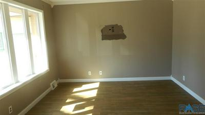 700 N GRANT ST, Canton, SD 57013 - Photo 2