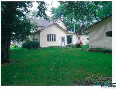400 W MAIN ST, Beresford, SD 57004 - Photo 2