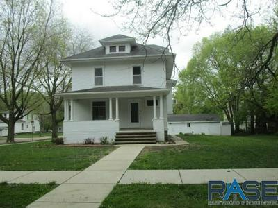 621 E 2ND ST, Canton, SD 57013 - Photo 1