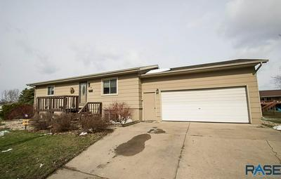 618 N DIVISION AVE, Madison, SD 57042 - Photo 1