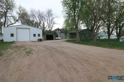 211 S HARVEY ST, Viborg, SD 57070 - Photo 1