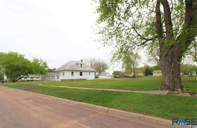 608 N 4TH ST, Beresford, SD 57004 - Photo 1