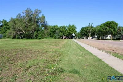 300 W 3RD ST, Worthing, SD 57077 - Photo 2