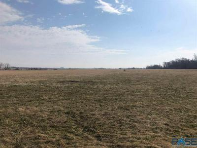 405TH AVE, Mitchell, SD 57301 - Photo 1