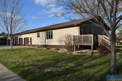 1020 NW 4TH ST, Madison, SD 57042 - Photo 1