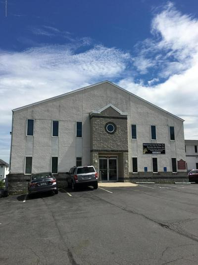 625 E DRINKER ST, Dunmore, PA 18512 - Photo 1