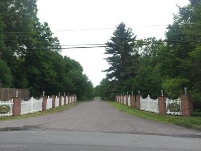 5 HUNTINGTON LN, Dalton, PA 18414 - Photo 2