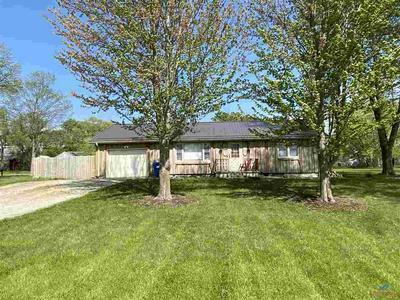 601 RATTLESNAKE HILL RD, Smithton, MO 65350 - Photo 1