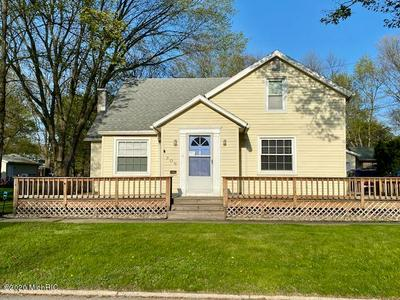 306 S CLAY ST, Sturgis, MI 49091 - Photo 1