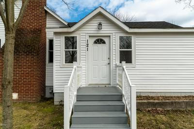 121 RANDOLPH ST, Bangor, MI 49013 - Photo 2