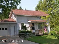 539 N MORRIS ST, Pentwater, MI 49449 - Photo 1