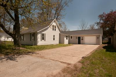 1025 1ST ST, Bangor, MI 49013 - Photo 2