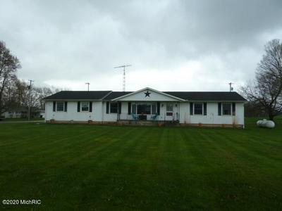 435 W CENTER ST, Waldron, MI 49288 - Photo 1