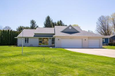 22401 HAPPY DR, Cassopolis, MI 49031 - Photo 2