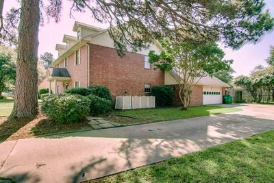 3406 WILLIAMSBURG LN, Texarkana, TX 75503 - Photo 2