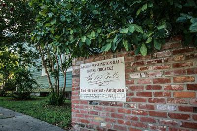 921 MAIN ST, Vicksburg, MS 39183 - Photo 2