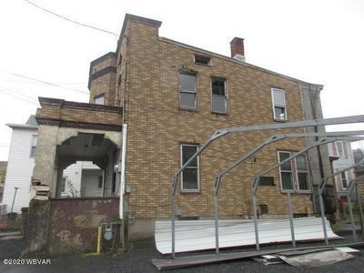 140 S CARBON ST, Shamokin, PA 17872 - Photo 2