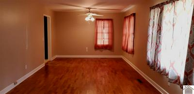 514 WHITNELL AVE, Murray, KY 42071 - Photo 2