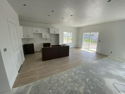 1494 E 300 S, Hyrum, UT 84319 - Photo 2