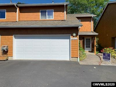 2539 QUEEN ST, Seaside, OR 97138 - Photo 2