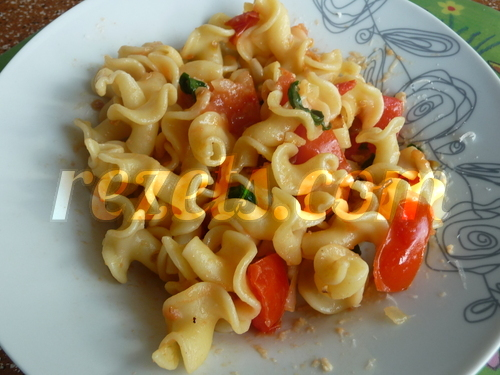 receta de pasta con tomate natural y albahaca por torpas