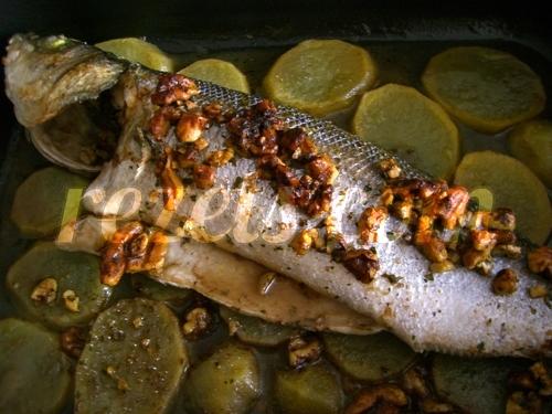 receta de lubina al horno con patatas y nueces por arctarus