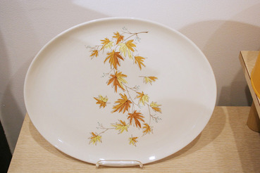 Serving Platter with Autumn Leaves Pattern